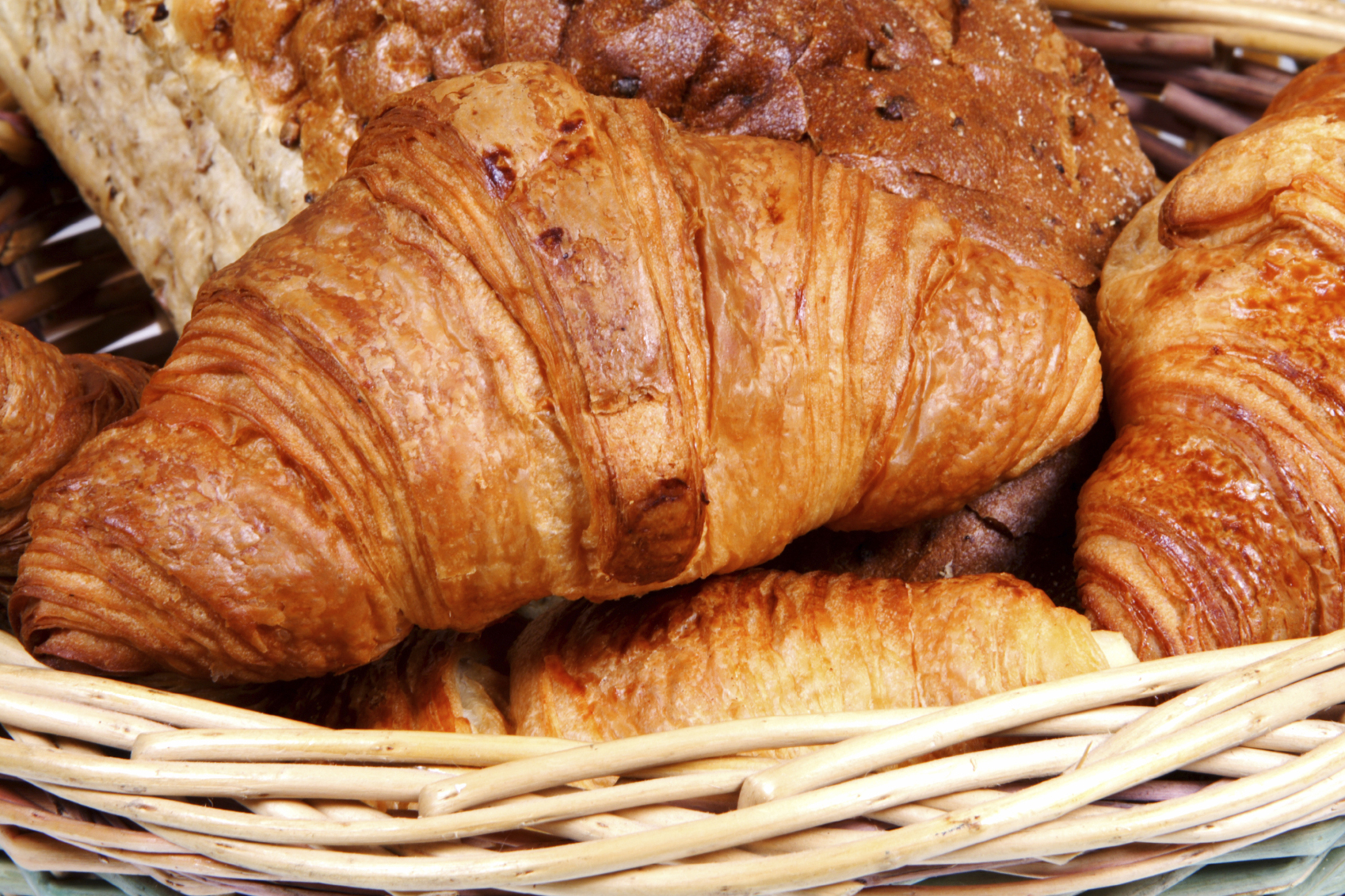 http://www.cocooningbreakfast.be/wp-content/uploads/2014/12/02.-Croissants-and-bread-medium-size-4-credits.jpg
